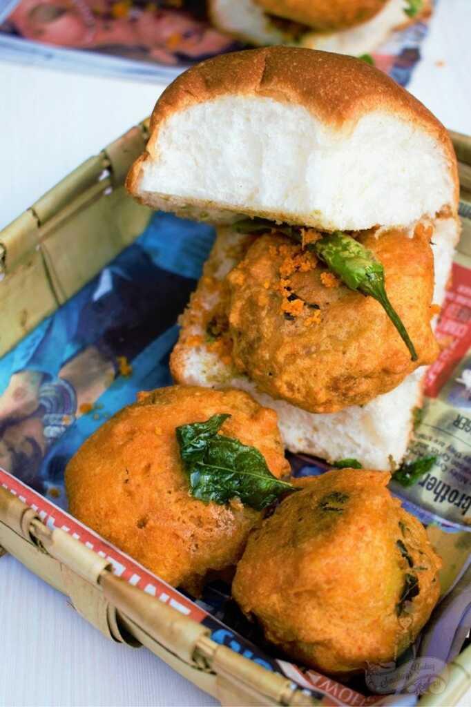 Vada Pav Recipe - Vada pav street food - Mumbai Vada Pav - Vada Pav Chutney
