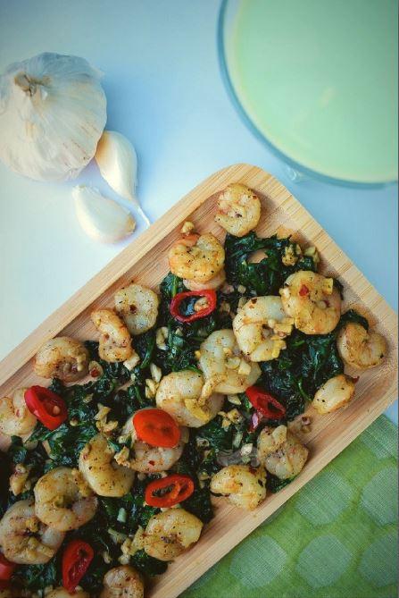 Garlicky Shrimp Spinach Salad kohleyedme.com