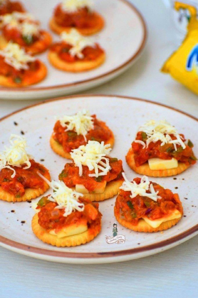 Cheesy Monaco Bites somethingiscooking.com