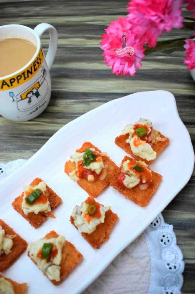 Eggs on toast recipe ideas breakfast appetizer somethingiscooking.com