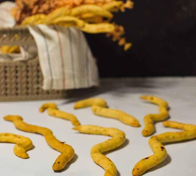 snake breadsticks recipe