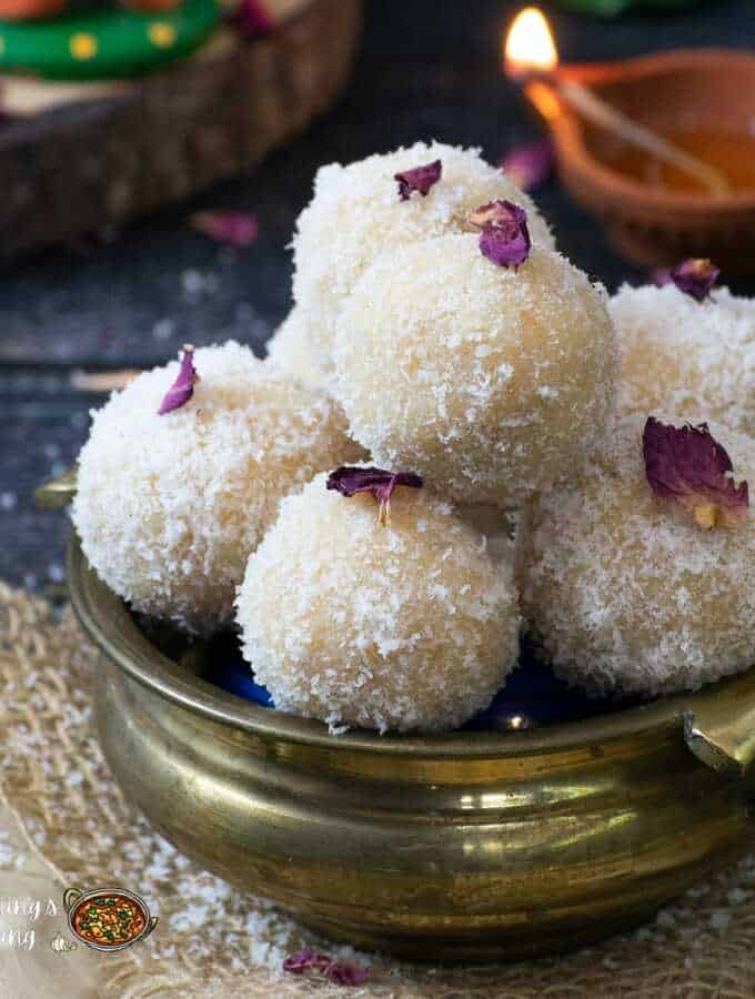 nariyal ladoo with condensed milk